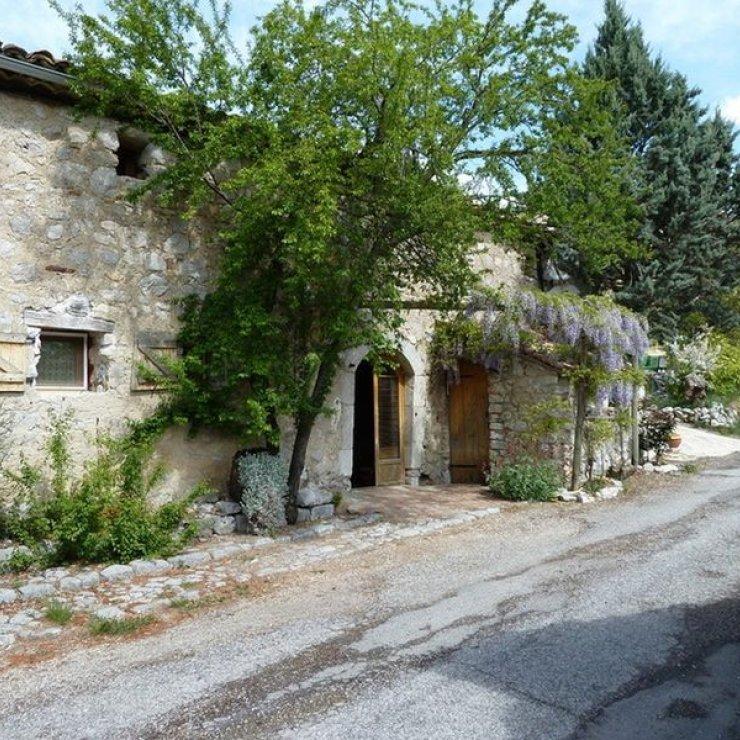 Le Révuaire Savournon - L'entrée principale (Copyright : Le Révuaire Savournon)