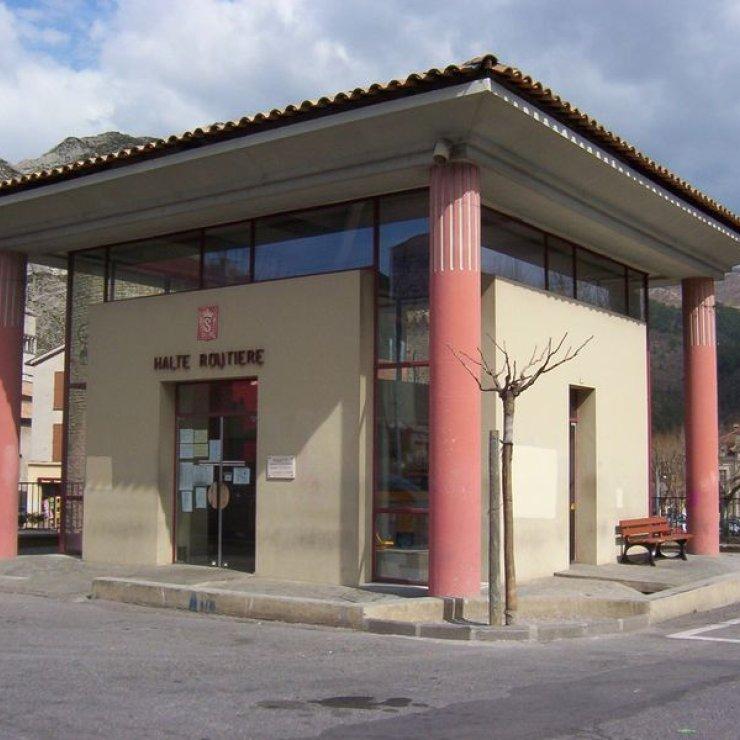 Gare routière Sisteron - Place de la République, gare routière Sisteron (Copyright : Office de Tourisme Sisteron Buëch)