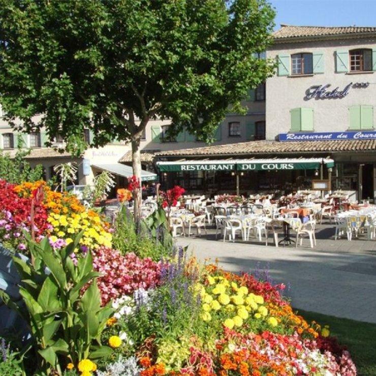 Restaurant Le Cours à Sisteron - Extérieur (Copyright : Restaurant Le Cours)