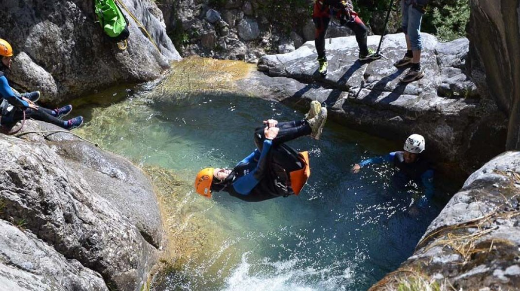Canyoning (Copyright : Undiscovered Mountains)