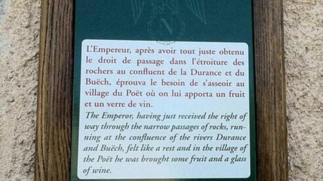 La Route Napoléon dans le Laragnais - Plaque pédagogique Route Napoléon - Le Poët (Copyright : Office de Tourisme Sisteron Buëch)