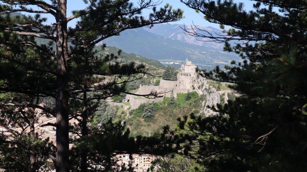 Randonnée le Trou de l'Argent à Sisteron - Sisteron et sa citadelle (Copyright : Office de Tourisme Sisteron Buëch)