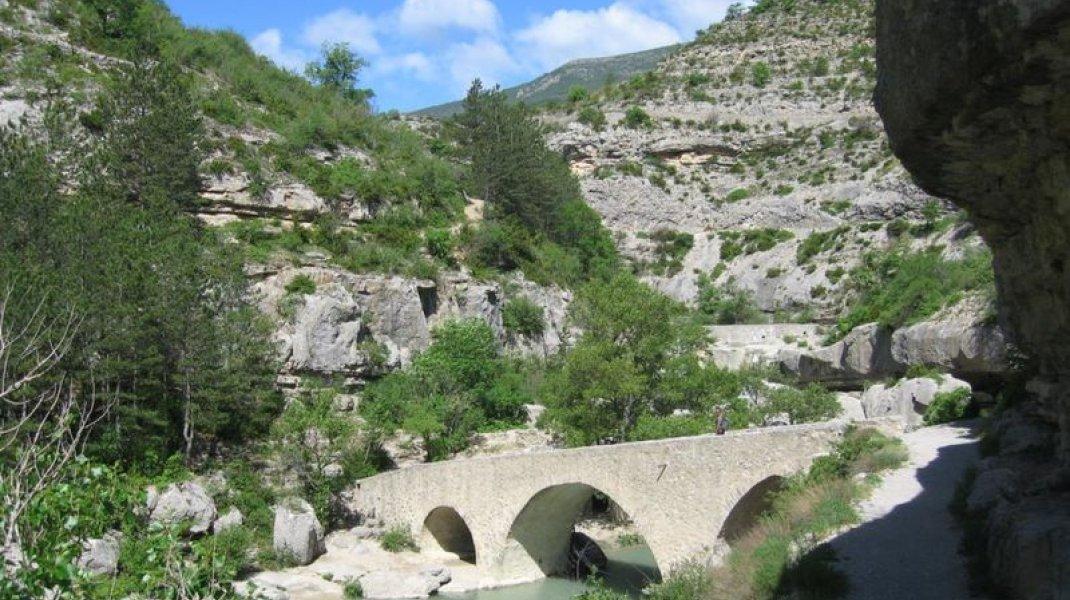 EldoradoVélo boucle 3 - Le Tour de la Montagne de Chabre - Gorges de la Méouge (Copyright : ADDET 05)