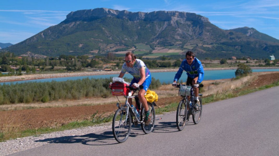Circuit cyclo 6 - Petit et Grand Buëch - Le long du Buëch (Copyright : Office de Tourisme Sisteron Buëch)