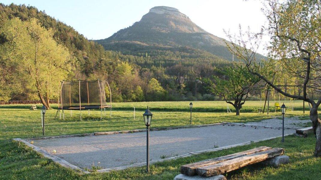 Terrain de pétanque (Copyright : L. Ravel)