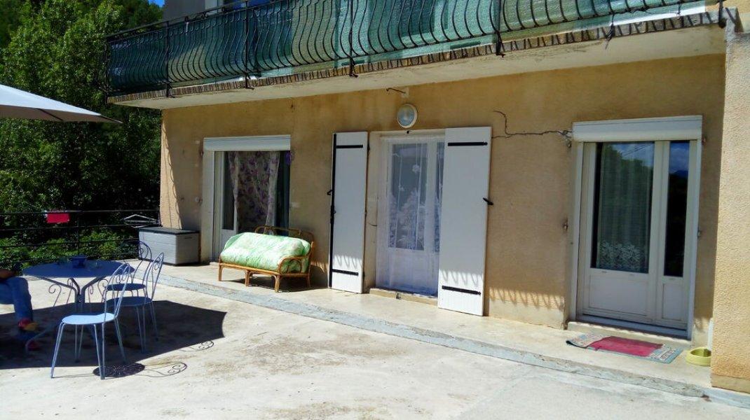 Gîte de Mirose - Terrasse (Copyright : S. Baudin)