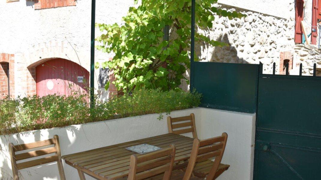 Gîte du Rocher à Serres - Terrasse (Copyright : Gîte du Rocher)