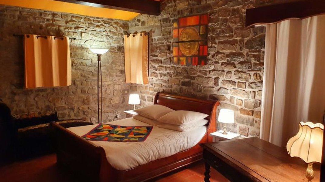 Au Cladan - Chambre cheminée 1 (Copyright : D. Wilwertz)