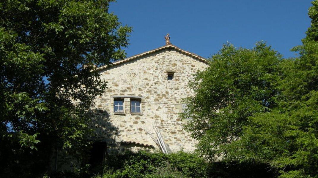 Gîte le Petit Terrus à Montclus - Façade en pierres apparentes (Copyright : Corinne Vallière)