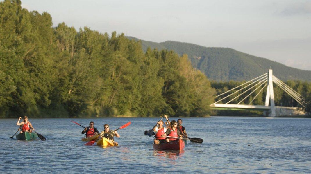 Canoe Volonne (Copyright : Michel Boutin)