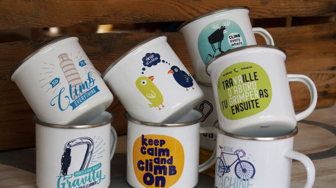 mug emaillé escalade (Copyright : Into the Cliff)