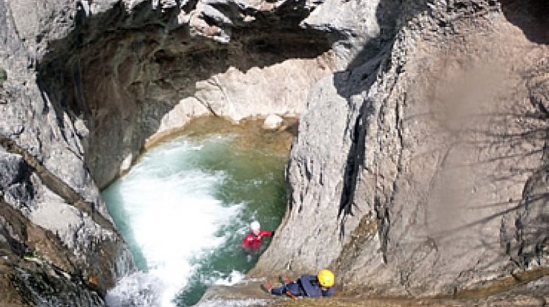 Hautes Alpes canyoning - Tines (Copyright : OIT Motte Turriers)
