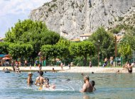 Plan d'eau des Marres à Sisteron - L'espace de baignade (Copyright : Thibault Vergoz)
