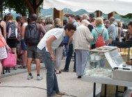 Le marché de Serres - Fromage (Copyright : Office de Tourisme Sisteron Buëch)