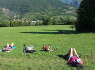 Repos sur l'herbe (Copyright : Jeûne Vitalité)