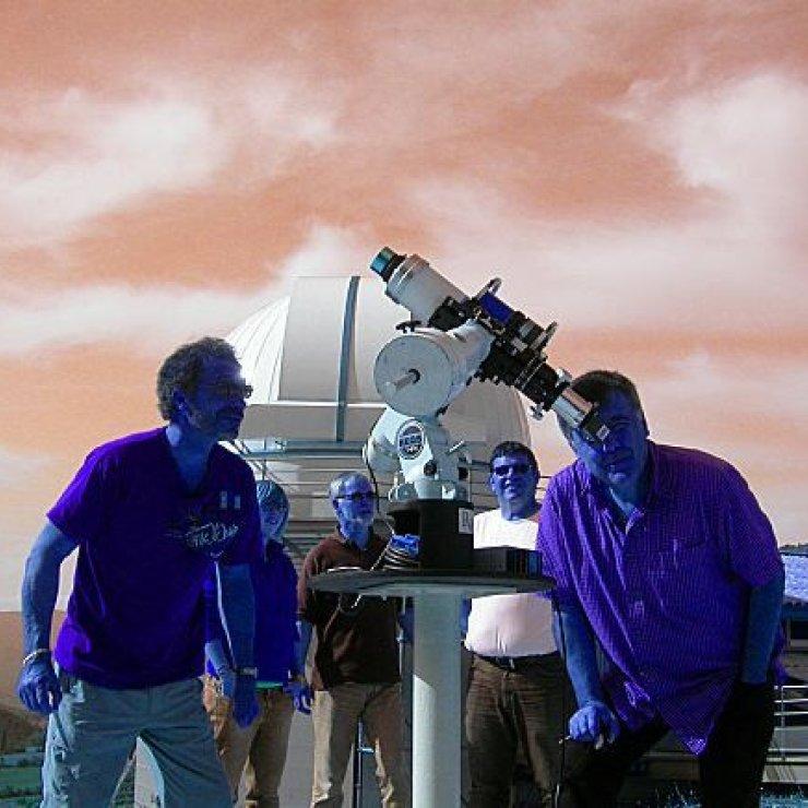 Nuit Astro - Nuit Astronomie sur la terrasse du planétarium (Copyright : OBP)