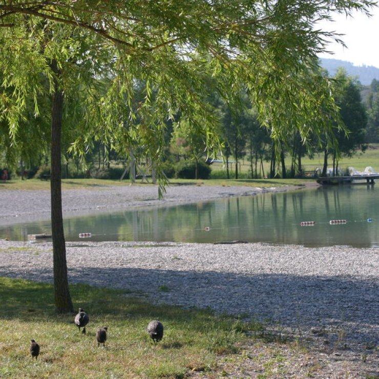 Plan d'eau du Riou (Copyright : Office de tourisme Sisteron-Buech)