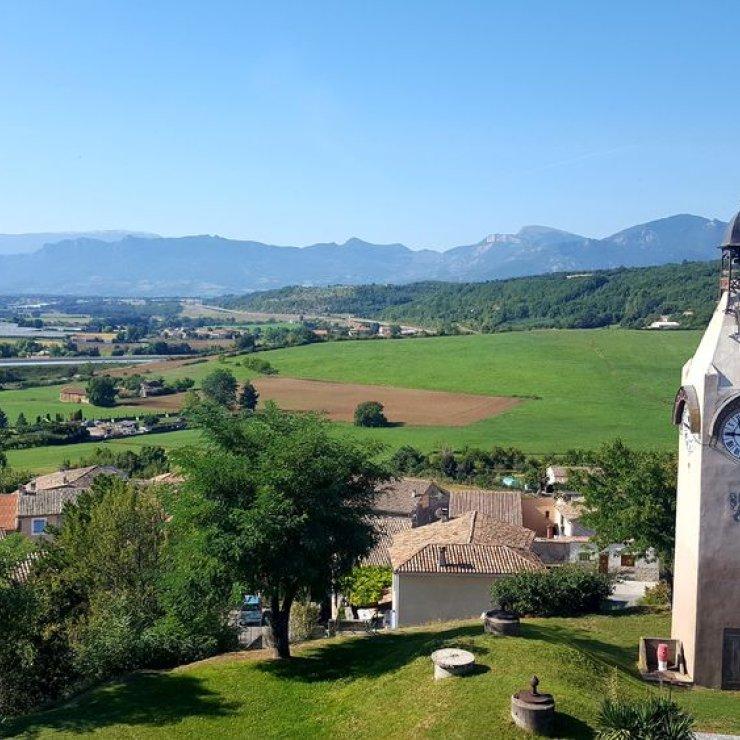 Le Poët - La Tour Horloge (Copyright : Office de Tourisme Sisteron Buëch)