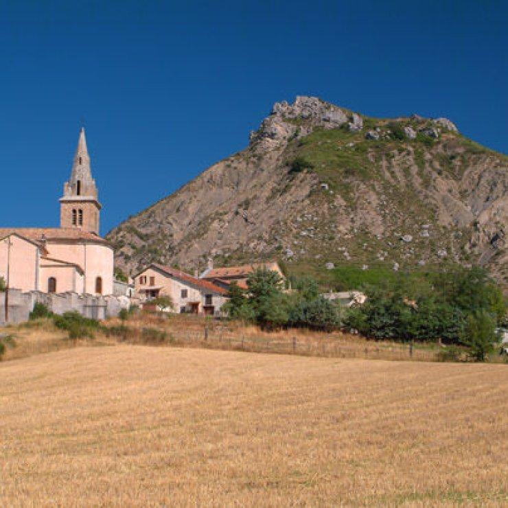Sites d'escalade de Savournon - Village de Savournon (Copyright : Thierry Robin)