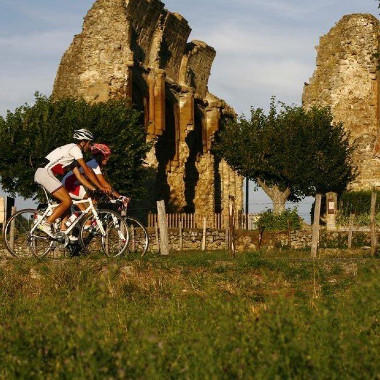 Circuit cyclo - Autour du prieuré de Saint-André-de-Rosans (Copyright : Communauté de Communes Sisteronais Buëch)