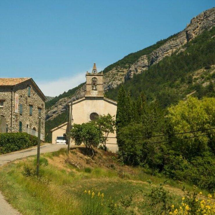 Itinéraire de rando Le Château - Eglise de Saint-Genis (Copyright : Communauté de Communes Sisteron Buëch)