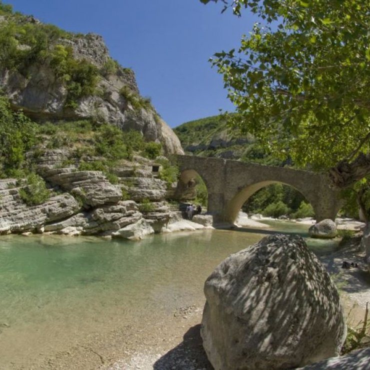 Pont roman (Copyright : Office de Tourisme Sisteron Buëch)