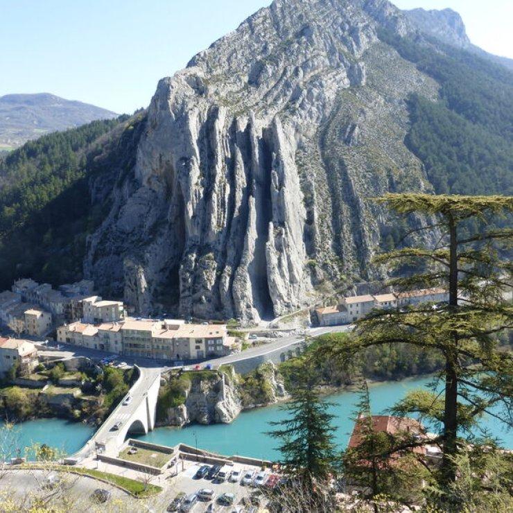 Circuit VTT Le Tour de la Baume - Rocher de La Baume à Sisteron (Copyright : Office de Tourisme Sisteron Buëch)