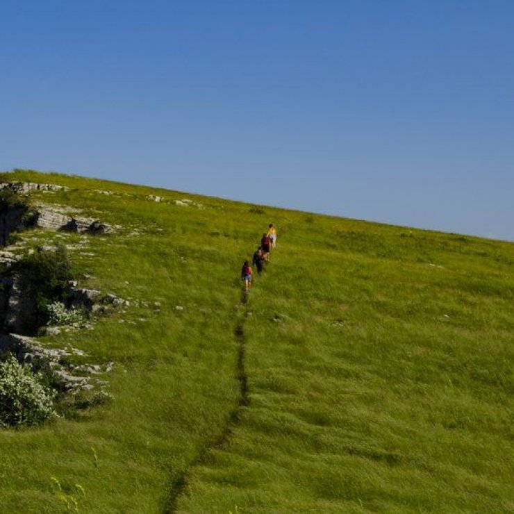 Itinéraire de rando Le Sommet de Chamouse - En route vers le sommet (Copyright : Communauté de Communes Sisteronais Buëch)