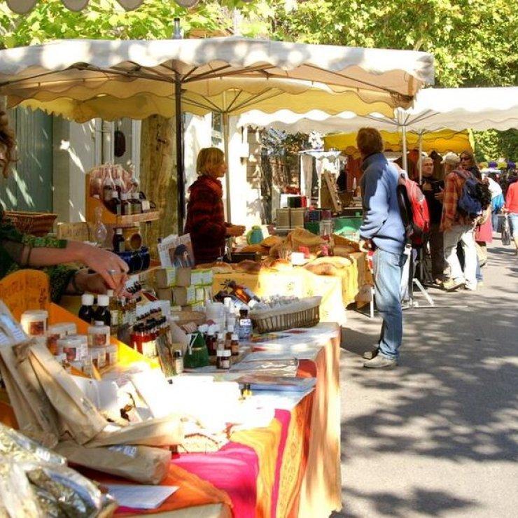 Marché du mardi matin à Val Buëch Méouge - Petit marché de producteurs (Copyright : Office de Tourisme Sisteron Buëch)