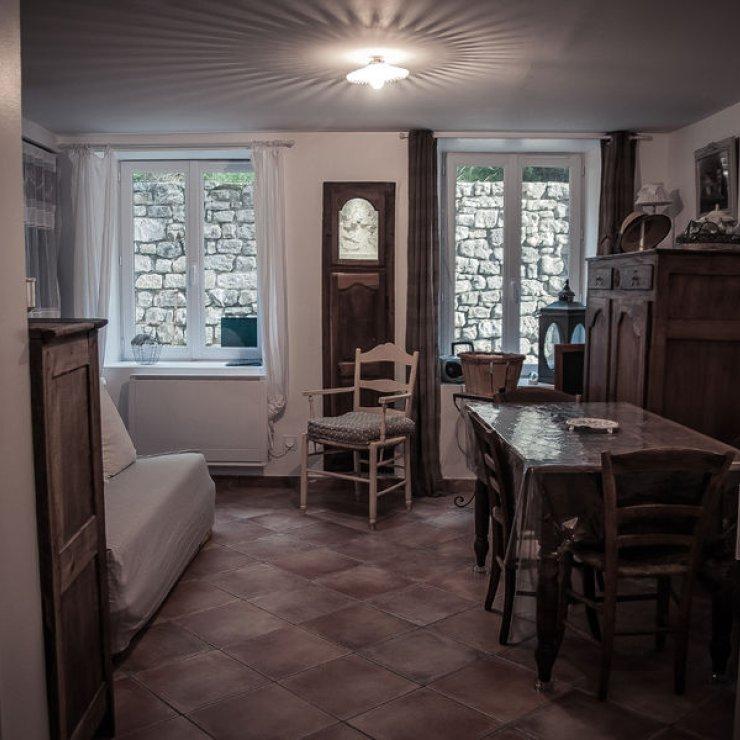 Au Bonheur des Cousines - le bas - salon - salle à manger (Copyright : Rémi Calvain)