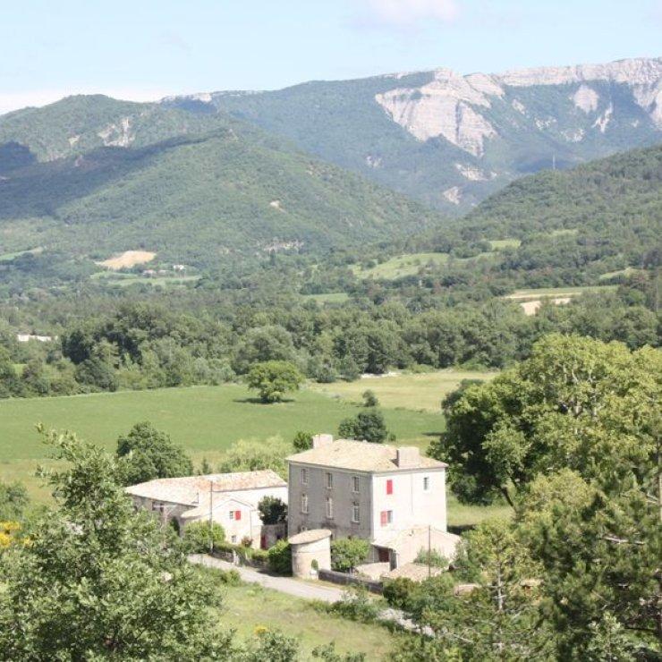 Vue sur la propriété - Vue sur la propriété (Copyright : Le Château de Noyers)