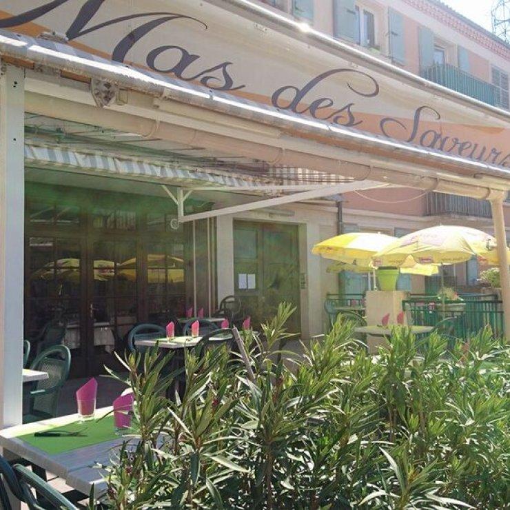 Restaurant Le Mas des Saveurs à Sisteron - Terrasse (Copyright : Restaurant Le Mas des Saveurs)