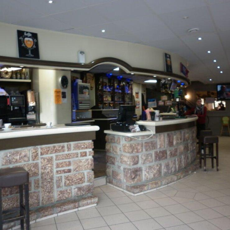 Café du Commerce - Comptoir (Copyright : Office de Tourisme Sisteron Buëch)